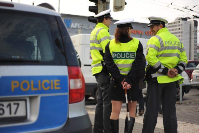 V řadách dopravní policie jsou i ženy