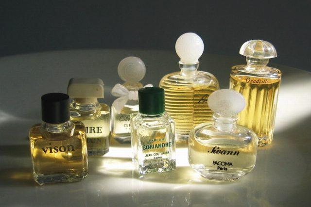 parfémy, voňavky, vůně