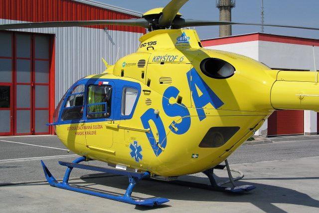 Královéhradečtí záchranáři jako jediní na světě vozí na palubě vrtulníku speciání přístroj na ochlazování mozku  | foto:  Záchranná služba Královéhradeckého kraje