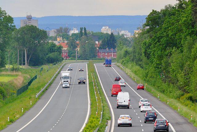 Silnice z Pardubic do Hradce Králové