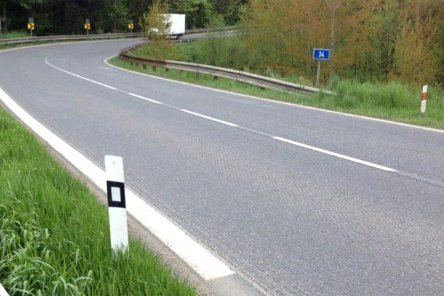 Nejnebezpečnější silnice je v Pardubickém kraji  (ilustrační foto)   foto: Hana Mikulincová,  Český rozhlas