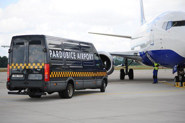 Letiště Pardubice - Boeing čeká na povolení k pojezdu na ranvej | foto: Honza Ptáček,  Český rozhlas