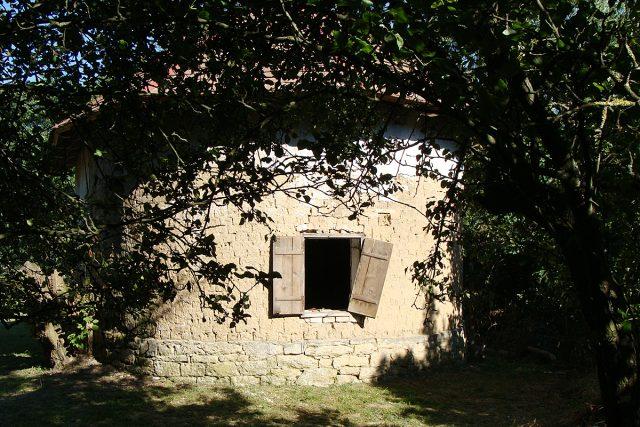 Venkovský dům ve Lhůtě