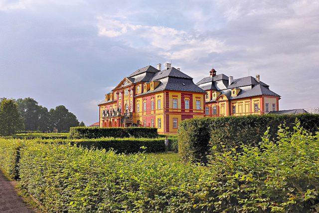 Chroustovický pozdně barokní zámek s parkem | foto: Milan Kosina,  Český rozhlas