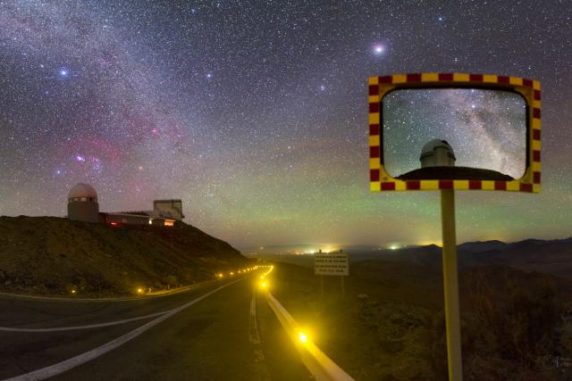Mléčná dráha a observatoř La Silla v Chile | foto: Petr Horálek