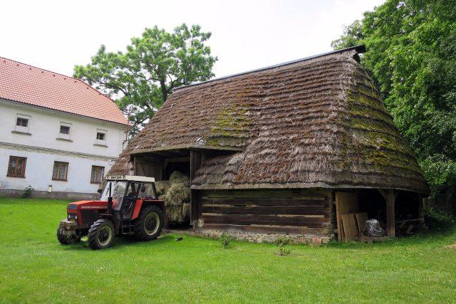 Víceboká stodola v Širokém Dole