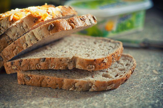 Toastový chleba, pečivo, plátky (ilustrační foto)