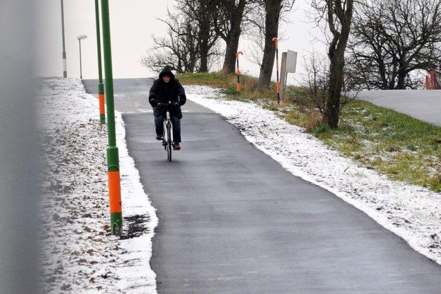 Nová cyklostezka ze Sezemic do Počápel