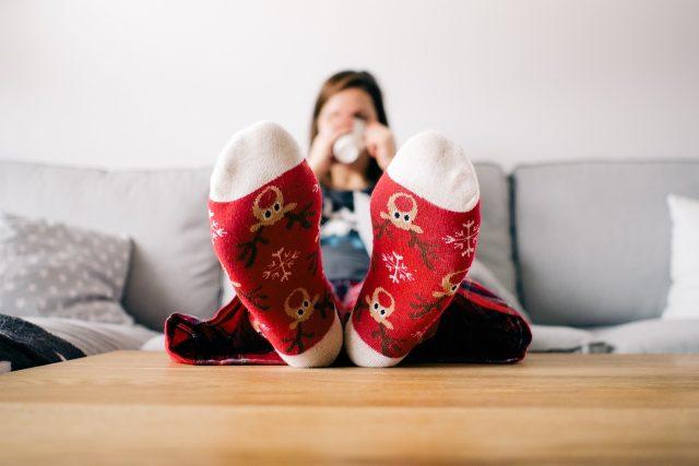 obývák, domov, pohoda, vánoce na ponožkách, nohy, ponožky