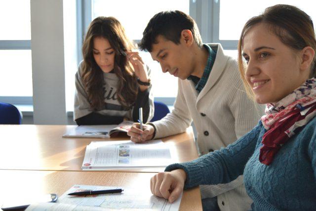 Studenti - pohovor - pracovní pohovor - zkouška - zkoušky
