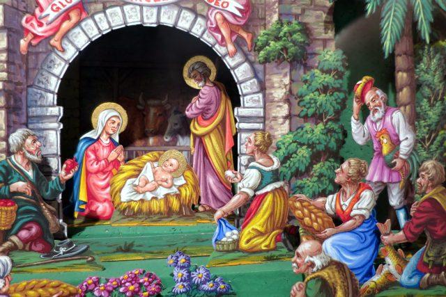 Detail orlickoústeckého vánočního papírového betlému