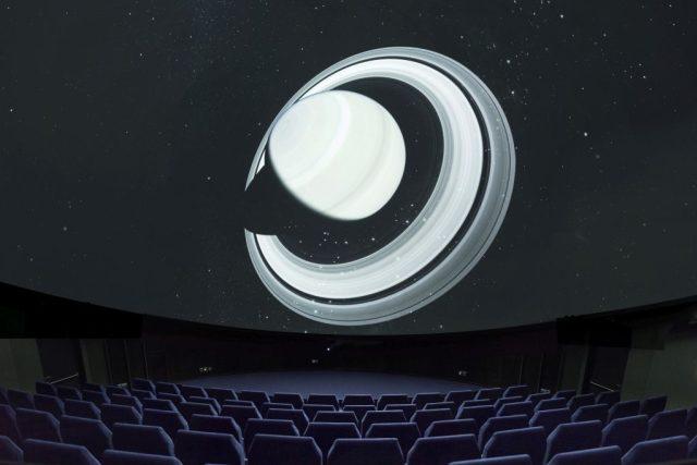 Projekce v digitálním planetáriu v Hradci Králové