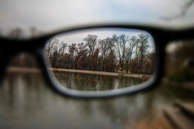 Brýle nám pomáhají