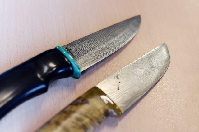 Nože s damaškovou ocelí Zdeňka Krejzy   foto: Honza Ptáček,  Český rozhlas