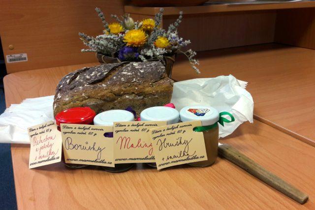 Chléb a džem od paní Michaely Naumecové