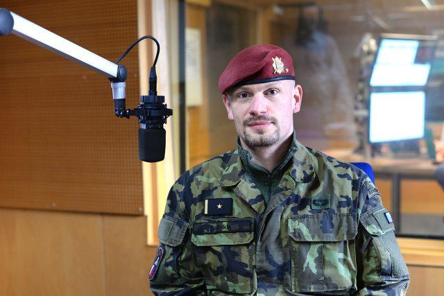 Zástupce velitele 43. výsadkového praporu Chrudim Ivo Zelinka | foto: Honza Ptáček,  Český rozhlas