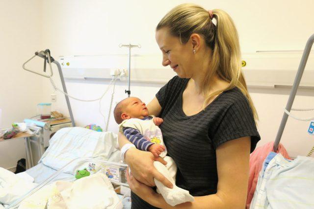 První miminko roku 2017 se v pardubické nemocnici narodilo 1. ledna ve 2:29 ráno | foto: Tereza Brázdová,  Český rozhlas