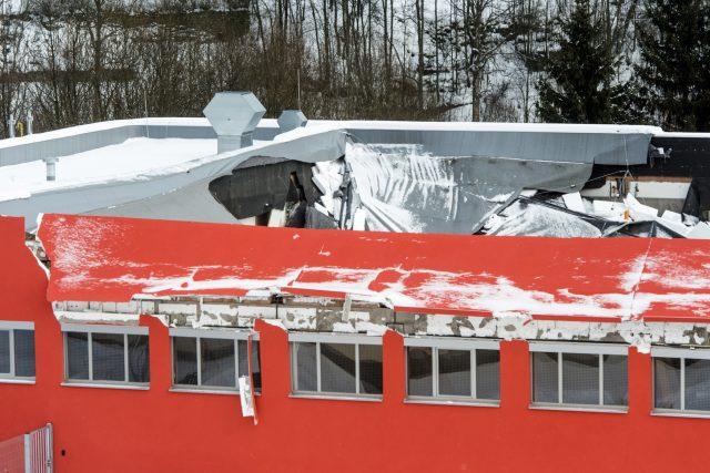V době havárie se v budově konal turnaj florbalistů. Nikdo nebyl zraněn.