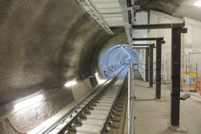 Při stavbě nové železnice vzniká v Londýně na 42 kilometrů nových tunelů