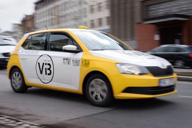 Auto nízkonákladové taxislužby v Pardubicích