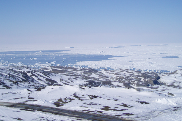 Pohled do Weddellova moře (ostrov Seymour, Antarktický poloostrov, Antarktida)