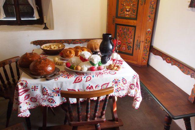 O samotných Velikonocích na stole nesměli chybět beránci, mazanec a malovaná vajíčka