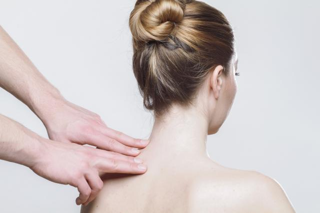Fyzioterapie  (ilustrační foto)   foto: Fotobanka Pixabay