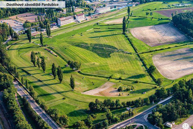 Dostihové závodiště Pardubice je místem, kde se konají cvalové dostihy včetně slavné Velké pardubické. Dostihová sezóna zde probíhá od května do října
