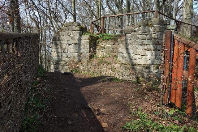 Pozůstatky středověkého hradu Žampach   foto: Jiří Fremuth,  Český rozhlas