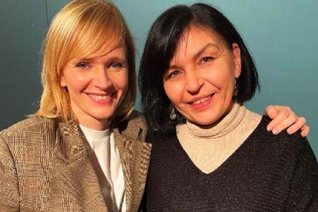 Martina Komárková s herečkou Aňou Geislerovou,  představitelkou zralé Boženy Němcové | foto: Světlana Witowská