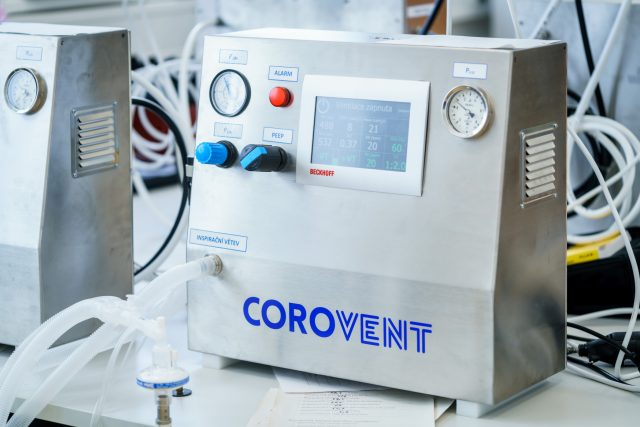 Přístroj CoroVent pro plicní ventilaci pacientů s koronavirem