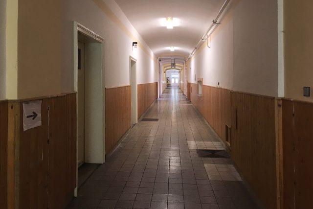 Chodba bývalého výchovného ústavu v Králíkách