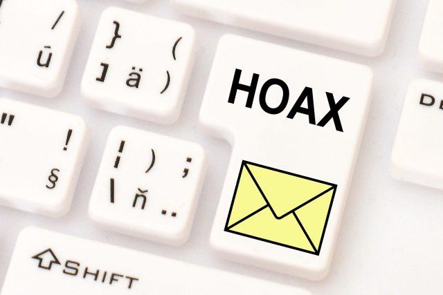 Hoaxy se na internetu šíří hlavně na sociálních sítích a pomocí řetězových e-mailů