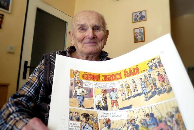 Jiří Hojer v Domově pro seniory, kde už léta žije, píše vzpomínkovou knihu o zážitcích z cest.