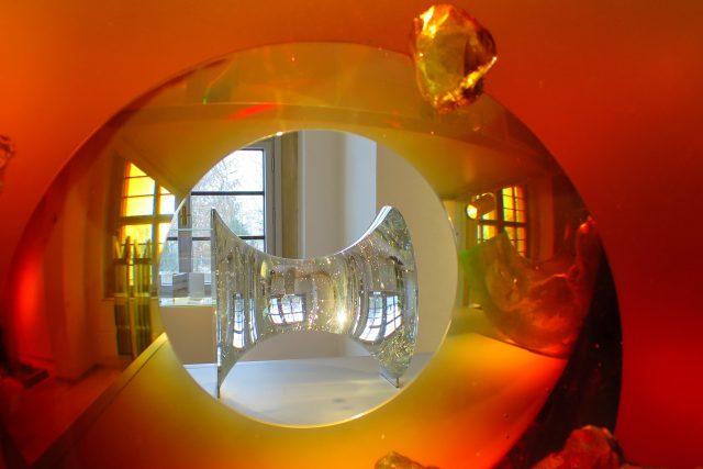 Netradiční pohled  do expozice moderního skla Východočeského muzea v Pardubicích   foto: Tereza Brázdová,  Český rozhlas