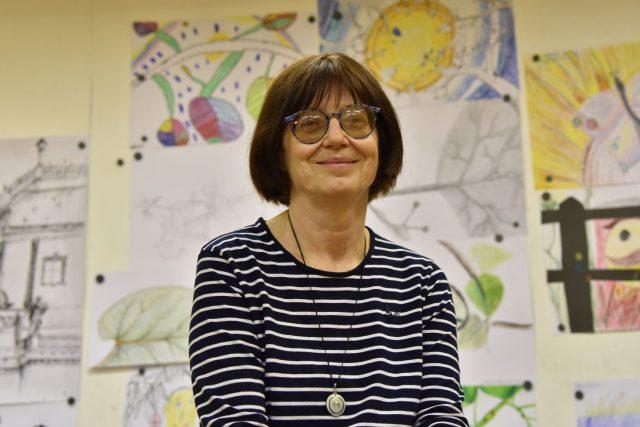 Zina Kučerová učí děti kreslit už 33 let