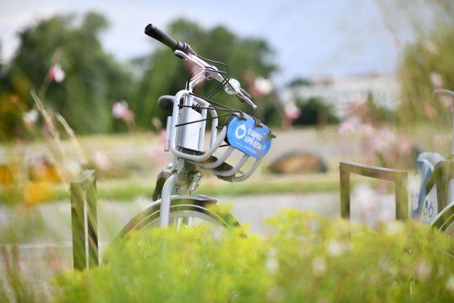Sdílená kola nextbike v Pardubicích. Prvních 15 minut jízdy je zdarma