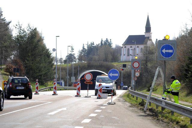 Uzavírka hřebečského tunelu | foto: Josef Vostárek,  ČTK