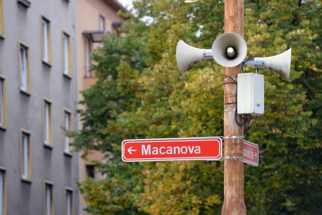 Macanova ulice je nedaleko pardubického hlavního nádraží