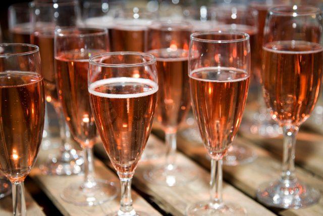 Sekt,  šampaňské,  připitek | foto: Fotobanka Profimedia