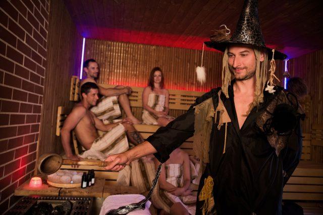 V poslední době jsou stále vyhledávanější saunové ceremoniály | foto: Hana Platenková,  Saunový ráj