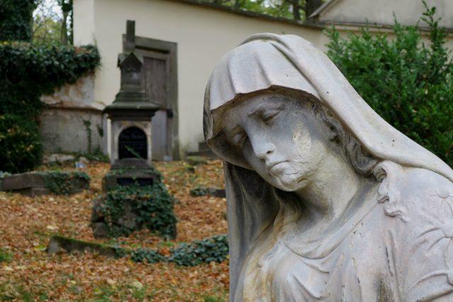 Socha u hrobu Anny Gromesové v Moravské Třebové