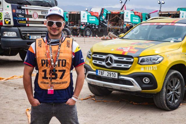 Dakar za oponou. Kameraman Michael Dvořáček natáčel zákulisí nejtěžší rallye světa | foto: Michal Dvořáček