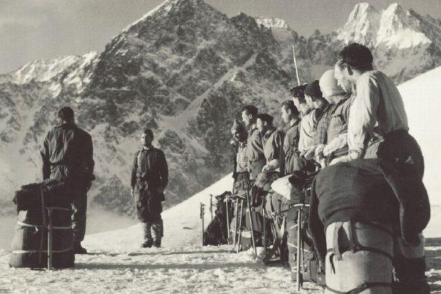 Československé reprezentační horolezecké družstvo ve Vysokých Tatrách v roce 1955