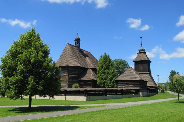 Areál kostela sv. Mikuláše ve Velinách