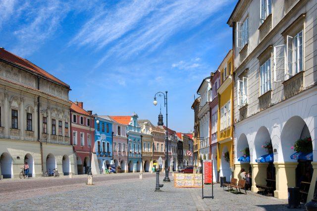 Historické měšťanské domy na Smetanově náměstí v Litomyšli | foto: Profimedia