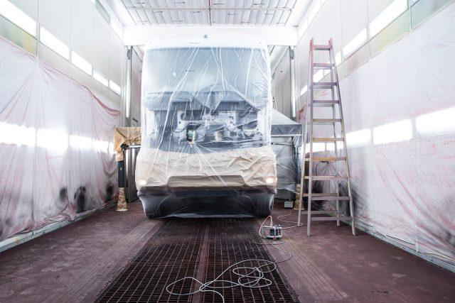 Lakovna pro nákladní automobily / autobusy
