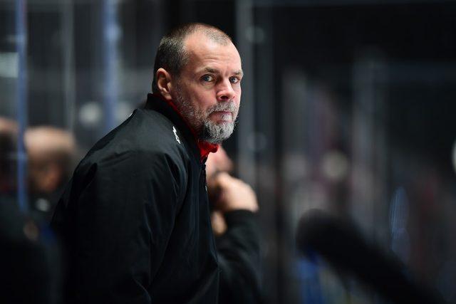 """Hostem Hokeje speciál je pardubický hlavní trenér """"A"""" týmu Richard Král"""