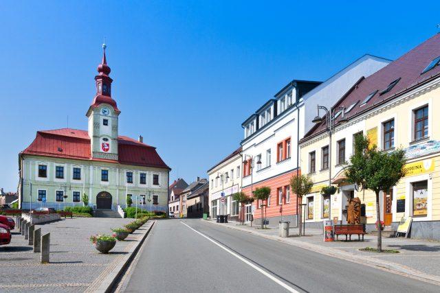 Náměstí a radnice v Hlinsku