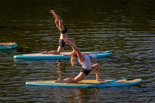 Jóga na paddleboardu   foto: Veronika Haklová
